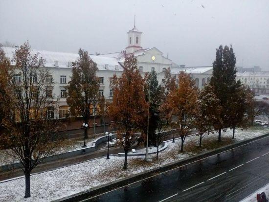 Прокинулися й побачили сніг за вікном: де в Україні вже почалася зима