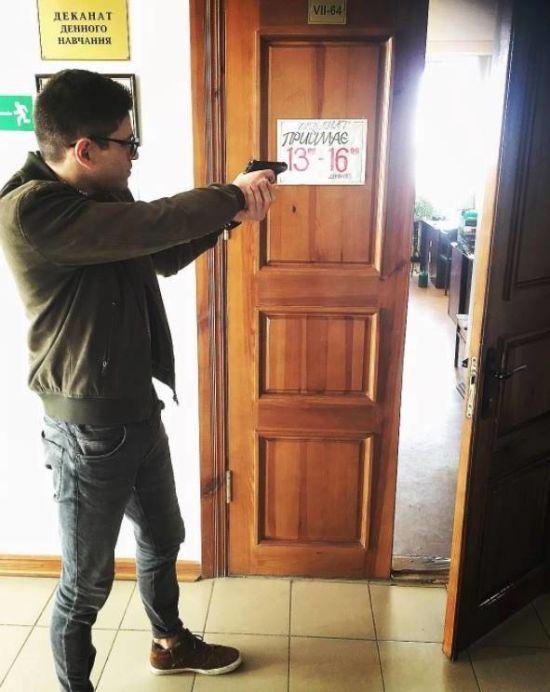 У Харкові молодик обстріляв з балкона людей на вулиці