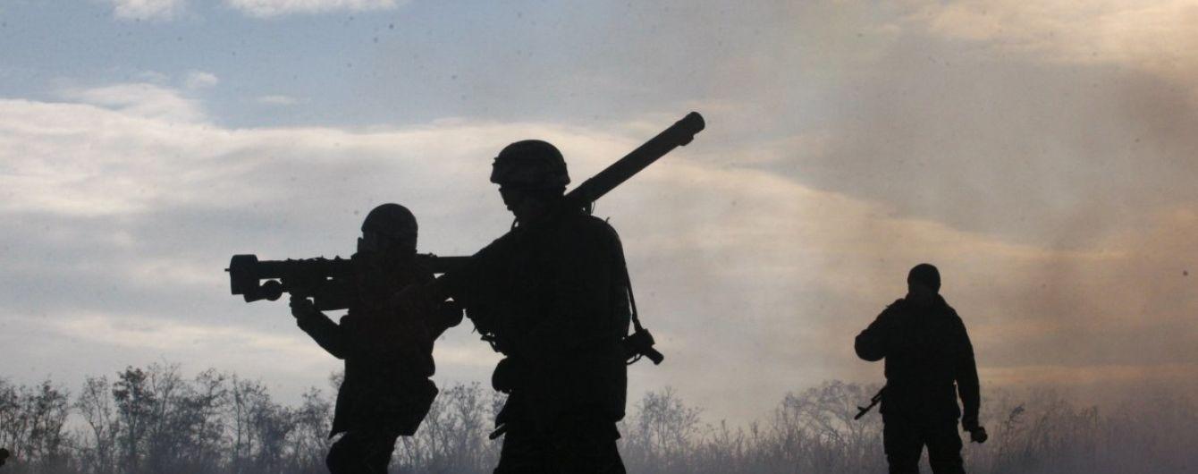 Накануне Нового года боевики стреляют в Донецком направлении
