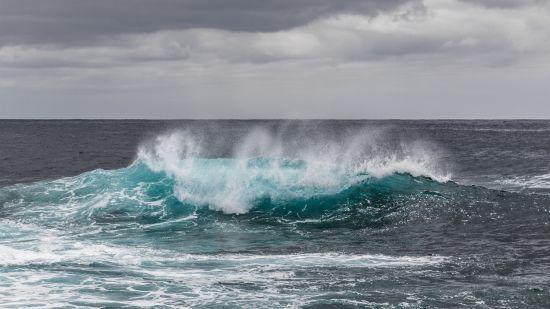 На Одещині 10-річного хлопчика змило хвилею у море, тривають пошуки