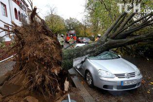 """В Європі зросла кількість загиблих унаслідок урагану """"Герварт"""""""