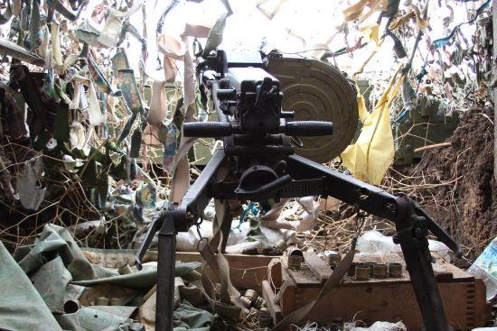 Під час оборони українські бійці вбили двох бойовиків та поранили ще трьох. Доба на Донбасі
