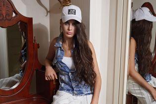 Яркая и эффектная: 16-летняя модель с диагнозом ДЦП снялась в стильной фотосессии Andre Tan