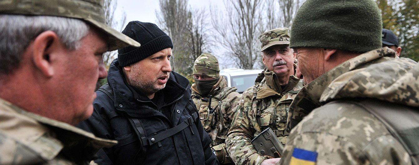 Українська армія у 2017 році просунулась на Донбасі на 10 км – Турчинов