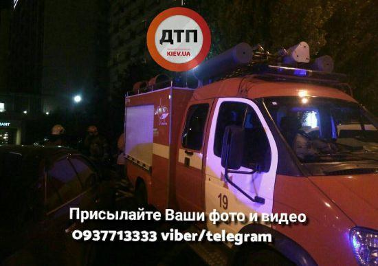 Через повідомлення про мінування на Дарницю з'їхалися силовики, надзвичайники та вибухотехніки
