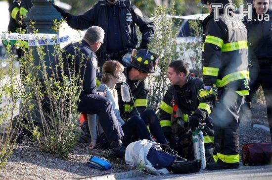 У Нью-Йорку чоловік на пікапі в'їхав у людей і відкрив стрілянину, є загиблі