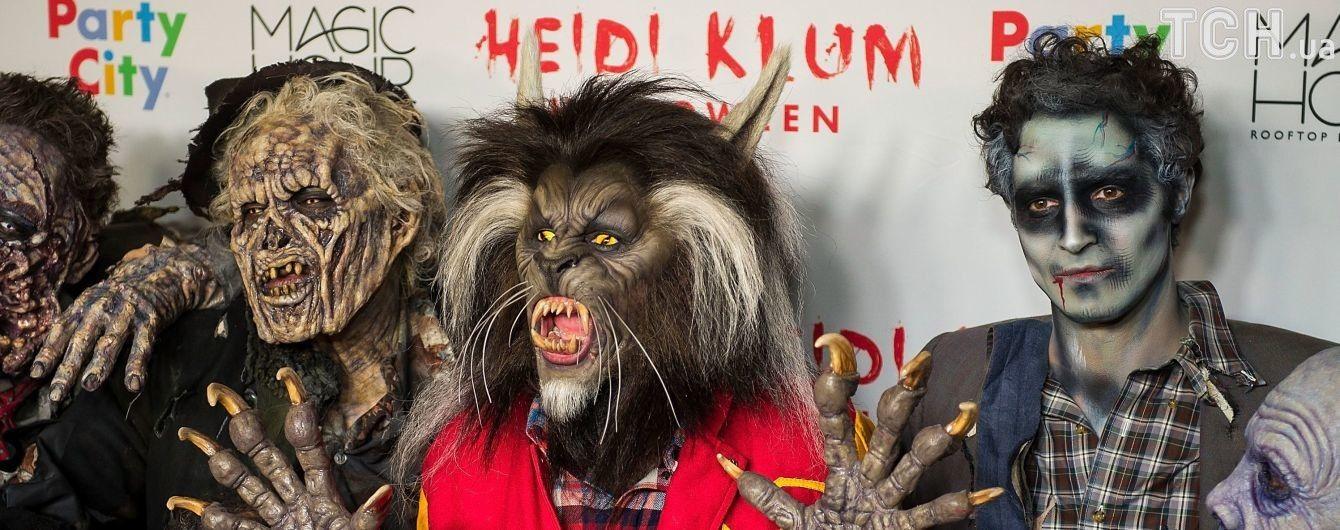 Супермодель Хайди Клум превратилась в зубастое волосатое чудовище на Хэллоуин