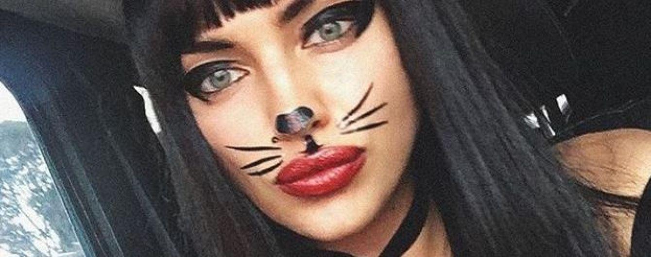 Ирина Шейк в соблазнительном образе побывала на праздновании Хэллоуина