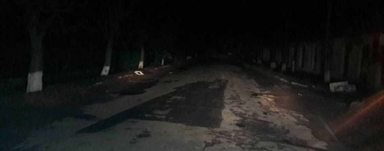 На Одещині водій напідпитку збив людей на узбіччі та зник, загинула 15-річна дівчина