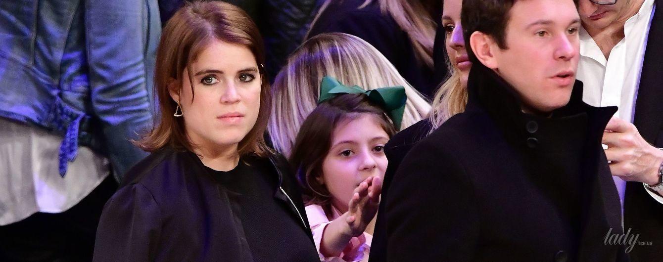 Принцессы любят баскетбол: британская принцесса Евгения в мини-юбке пришла на матч в Нью-Йорке