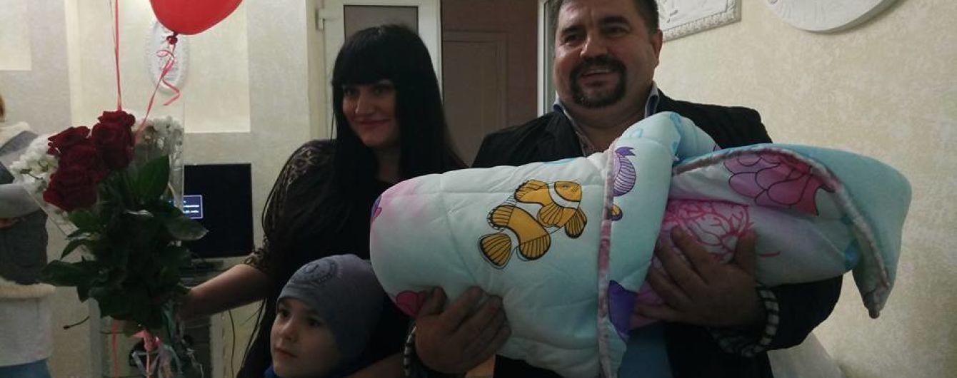 В Одесі батьки назвали новонароджену доньку на честь Аміни Окуєвої