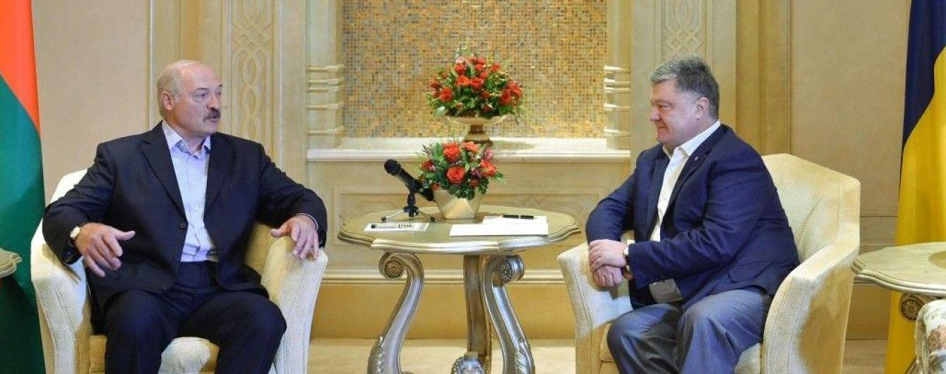 Виконання домовленостей та економіка: про що говорили Порошенко та Лукашенко в ОАЕ