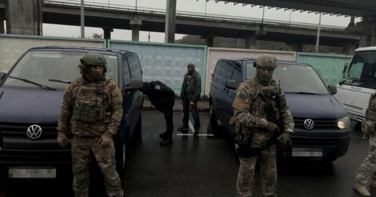 dotb.dn.ua СБУ затримала двох росіян за спалення автівки родини нардепа і  організацію фейкових мітингів d2b7a0a496275
