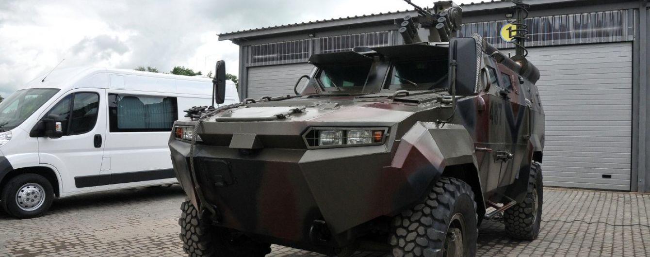 НАБУ розслідує закупівлю бронемашин у заводу Порошенка за завищеними цінами