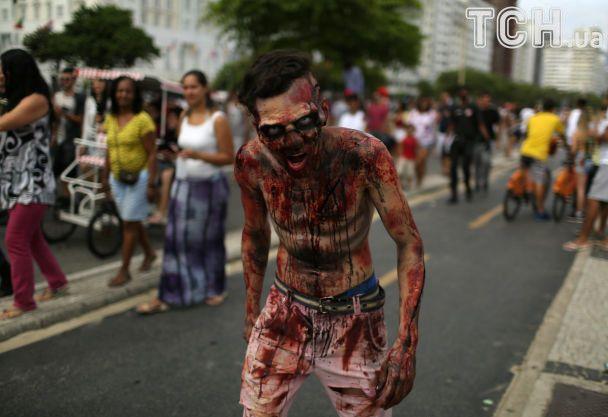 В Бразилии и Мексике устроили парады зомби