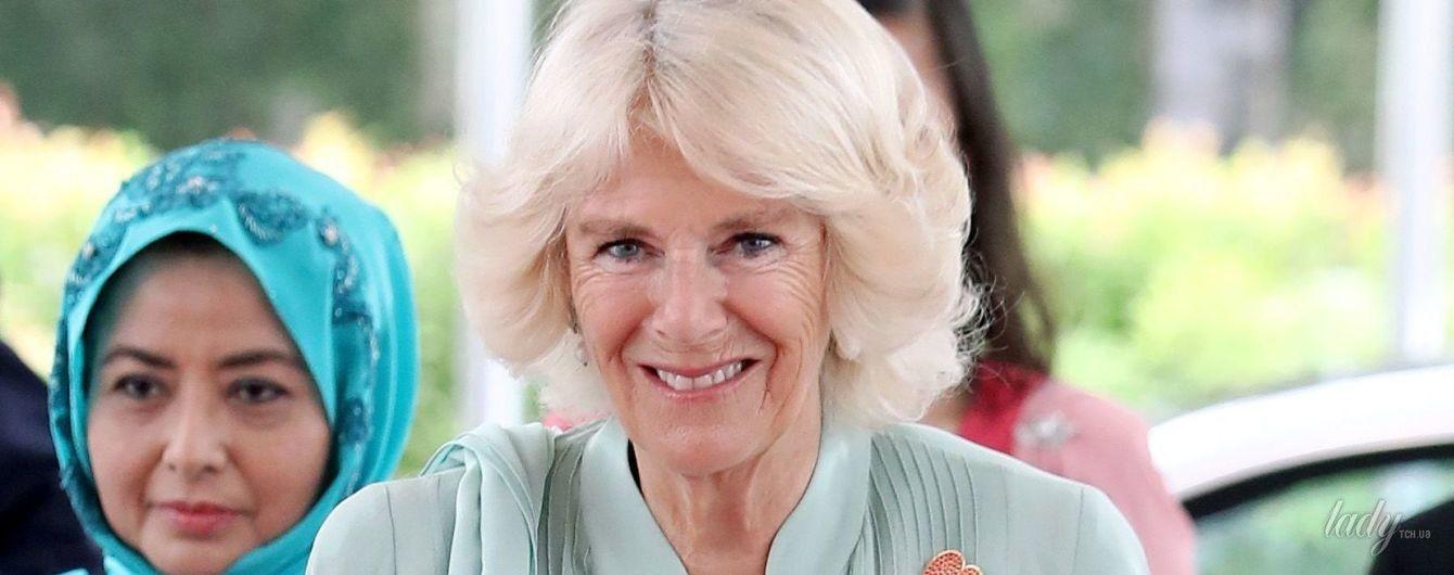 Голубой ей к лицу: герцогиня Корнуольская продемонстрировала очередной красивый образ