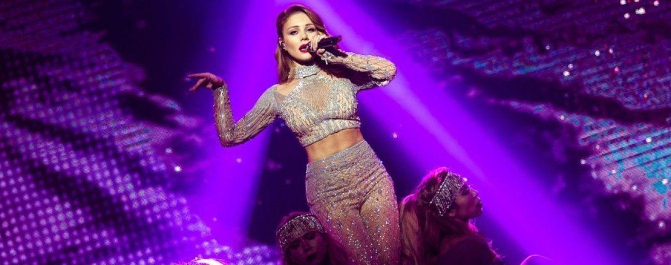 Роскошная и сексуальная: 5 эффектных образов Тины Кароль на концертах в Киеве