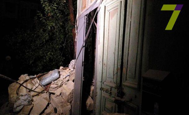 В Одесі від житлового будинку відвалилася стіна