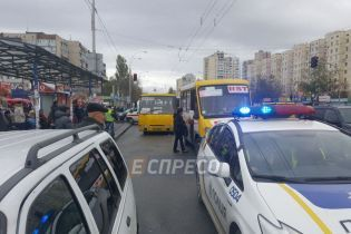 Поліція затримала водія маршрутки, який збив на смерть подружжя у Києві