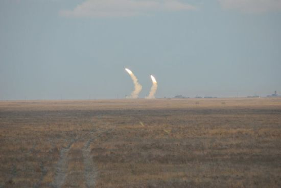"""На Херсонщині військові влаштували стрільби з """"Буків"""", С-300 і """"ОСА"""""""
