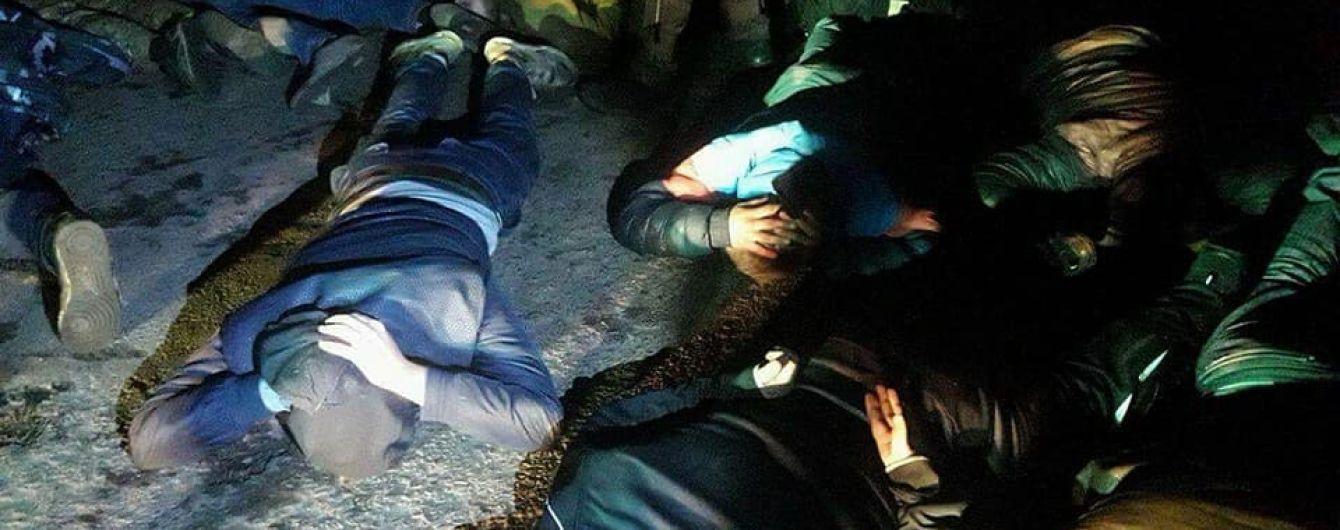 На Полтавщине полиция задержала более 40 рейдеров, которые пытались захватить агропредприятие