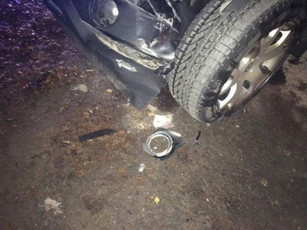 На Рівненщині водій джипа напідпитку збив двох жінок на пішоходному переході та зник