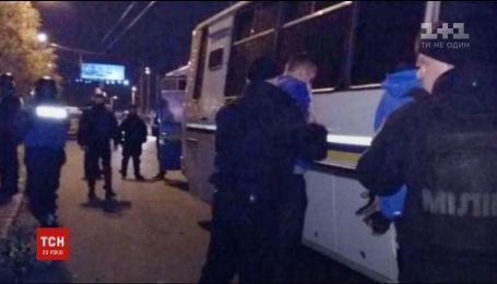 Футбольна бійка у Києві. Більше сотні фанатів почубилися у Голосіївському районі