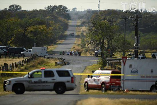 Техаський стрілець до кривавого вбивства в церкві  намагався задушити дружину