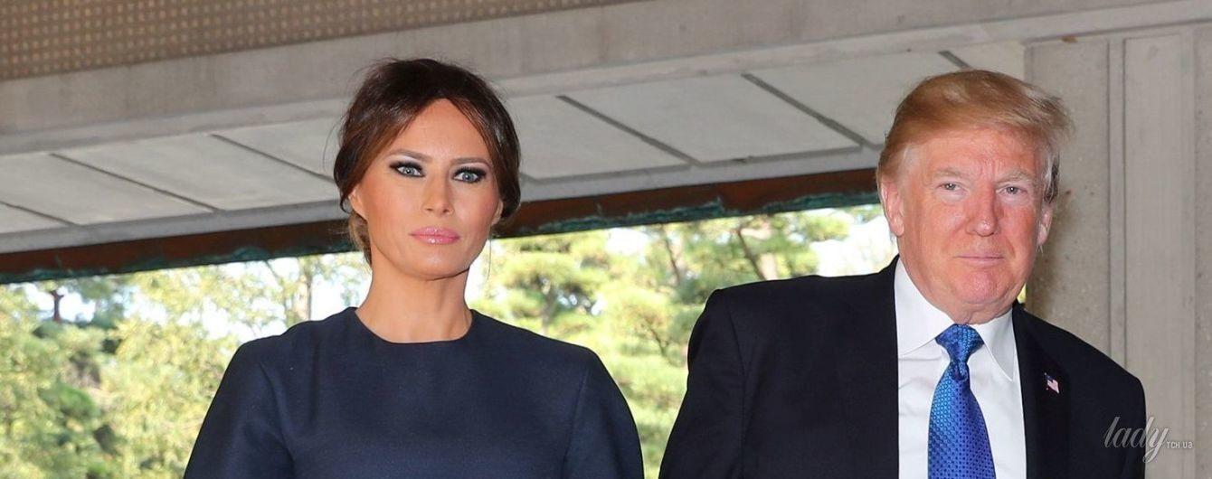 Битва образов Мелании Трамп: синее платье vs зеленое платье с принтом
