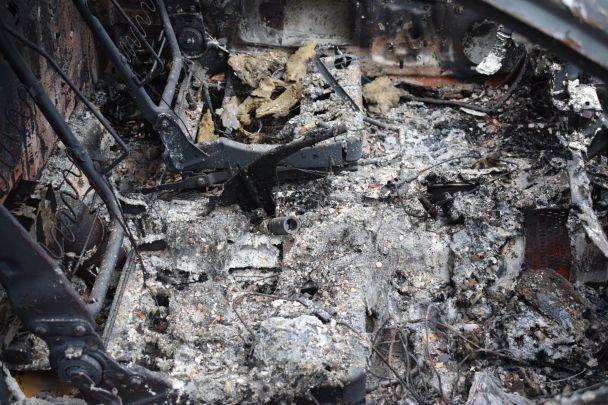 В Песках боевики обстреляли военных медиков и уничтожили санитарный автомобиль