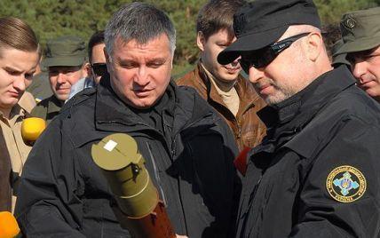 """Аваков рассказал о скучающем из-за перемирия на Донбассе """"пасторе"""" Турчинове"""