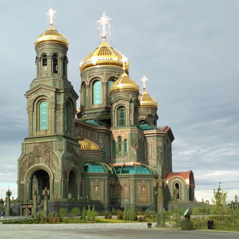 Сжег Киев и стал покровителем радиационных войск: главному храму ВС РФ передали икону князя Боголюбского