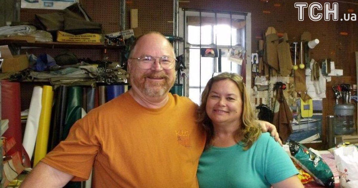 Брайан и Карла Голкомб прожили в браке почти 40 лет.