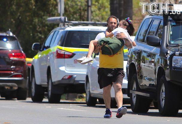 У Австралії жінка в'їхала в школу на авто: двоє хлопчиків загинули