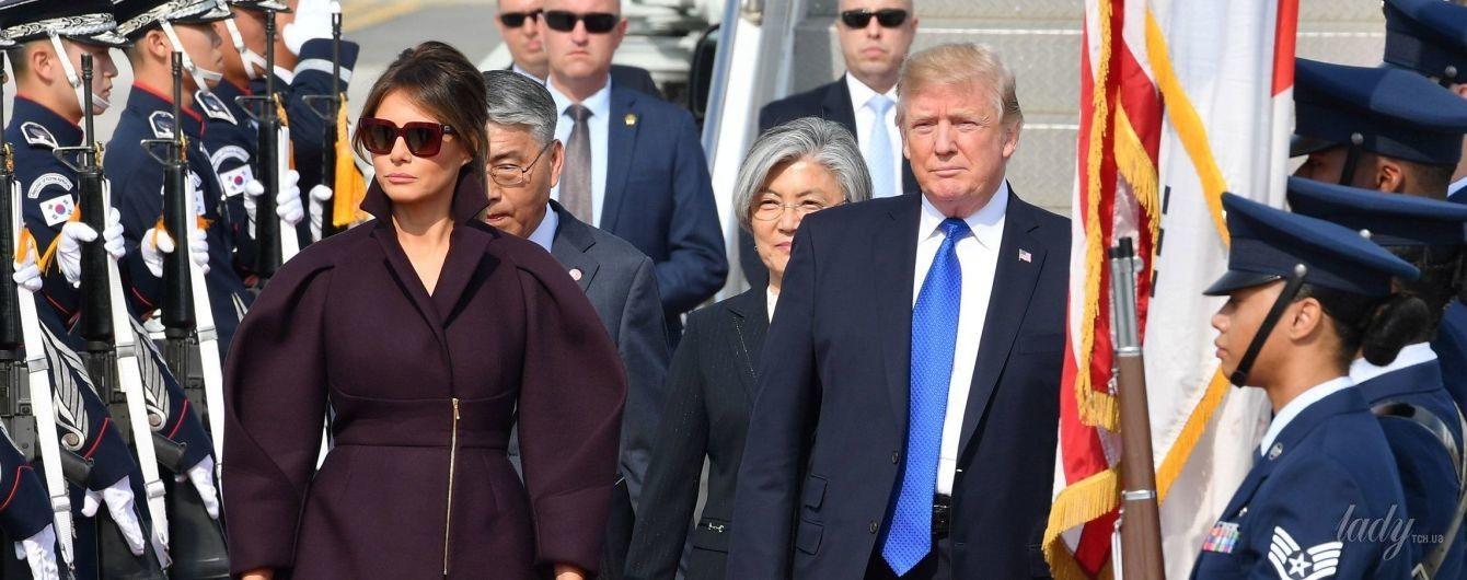 Алое платье и стильное пальто: два роскошных образа Мелании Трамп
