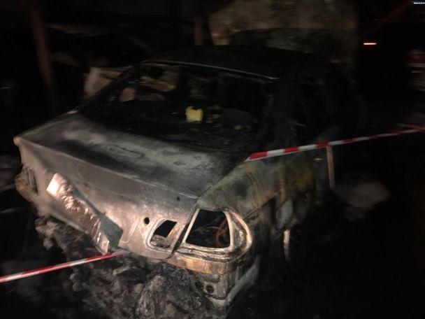 В Одессе за ночь сгорели около двух десятков машин