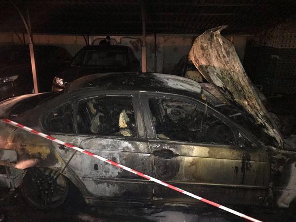 В Одесі за ніч згоріли близько двох десятків машин