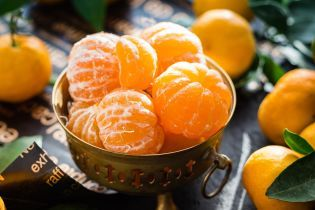 Українці вживають забагато цитрусових, та недоїдають інших фруктів