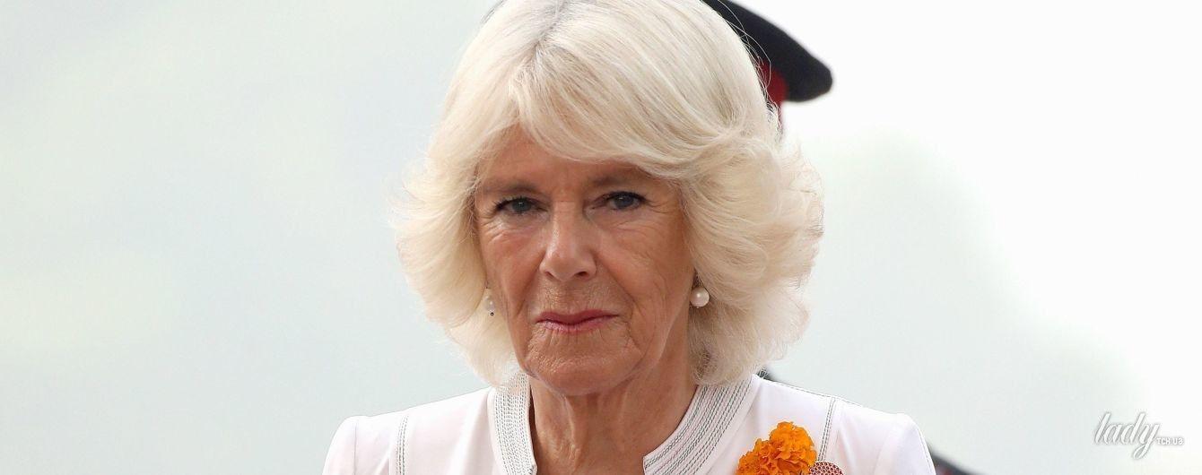 Белый ей к лицу: 70-летняя герцогиня Корнуольская продемонстрировала очередной нежный образ