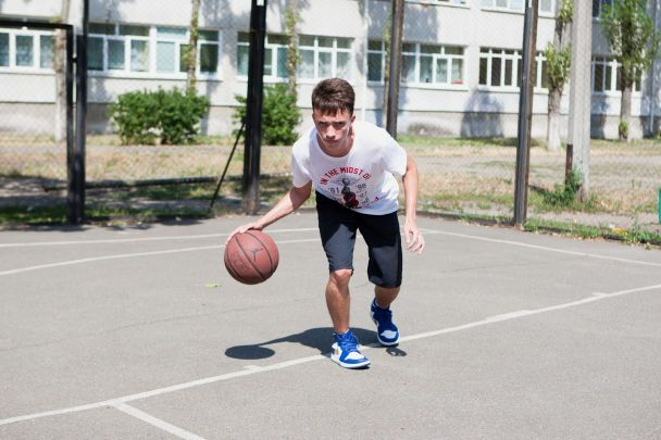 Легенда українського баскетболу продає м'яч заради здійснення мрії підопічного Дениса Куліша