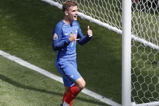 Лідер збірної Франції став воротарем та гідно відбив декілька пострілів
