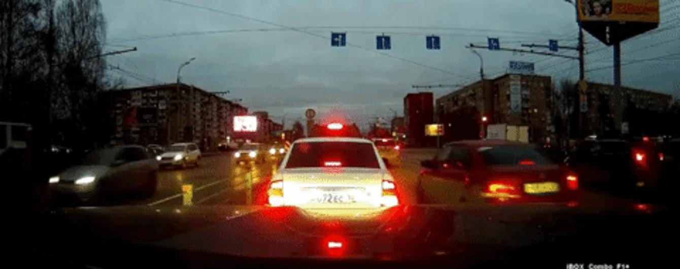 В інтернет виклали відео моменту вибуху у житловій багатоповерхівці російського Іжевська