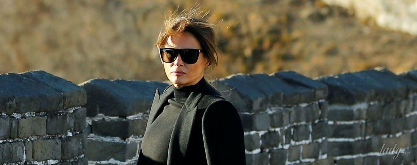 В гордом одиночестве: Мелания Трамп позировала на Великой Китайской стене