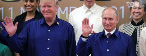 Трамп рассматривает возможность встречи с Путиным, его советник полетит в Москву