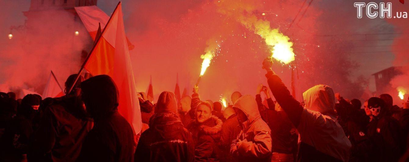 """""""Мы хотим Бога!"""". В Варшаву съезжаются ультраправые на один из крупнейших маршей"""