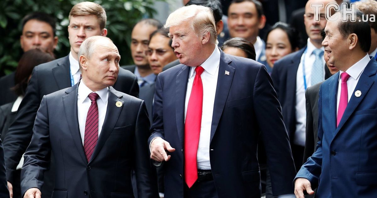 """""""Семейное фото"""" и ряд совместных заявлений. Трамп пообщался с Путиным во Вьетнаме"""