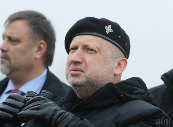 Турчинов назвав причину виходу російських офіцерів зі складу СЦКК