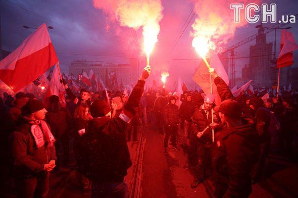 Польща понад усе. У Варшаві націоналісти влаштували грандіозний марш