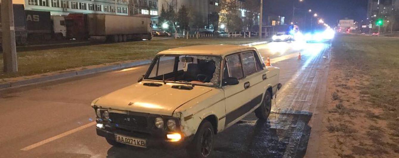 """Водій """"Жигулів"""" збив жінку у Києві"""