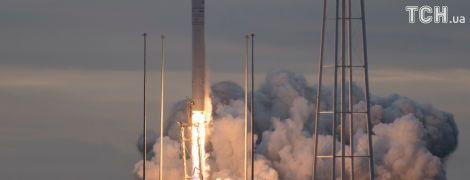 """Появились фото и видео зрелищного запуска ракеты """"Антарес"""" с украинской начинкой"""